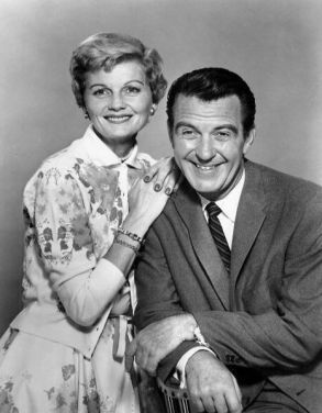 466px-June_and_Ward_Cleaver_Leave_it_to_Beaver_1958